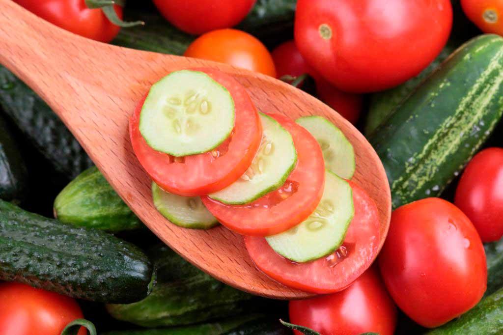 Frutas y hortalizas del verano que aportan mucha agua