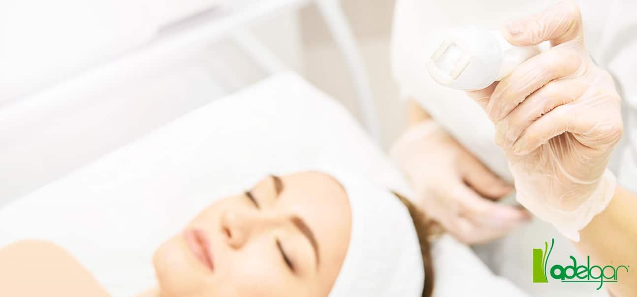 ¿Tu piel luce apagada y sin vida? Indiba Deep Care puede ser tu aliado. Te contamos todo sobre este tratamiento rejuvenecedor con radiofrecuencia.